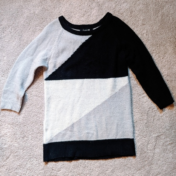 Forever 21 Sweaters - Geometric sweater with three quarter sleeves